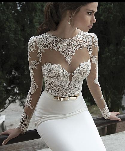 Короткие свадебные платья со шлейфом станут отличным выходом для тех, чья свадьба будет проходить в