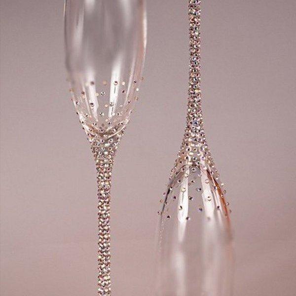 Как своими руками украсить бокалы на свадьбу