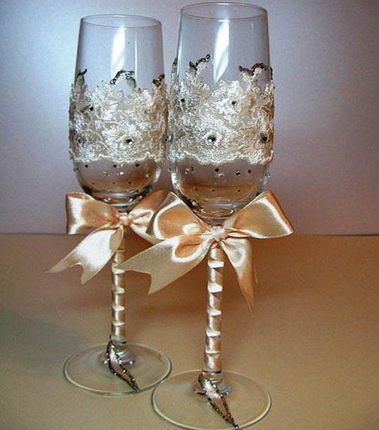 Как украсить свадебные бокалы своими руками лентами